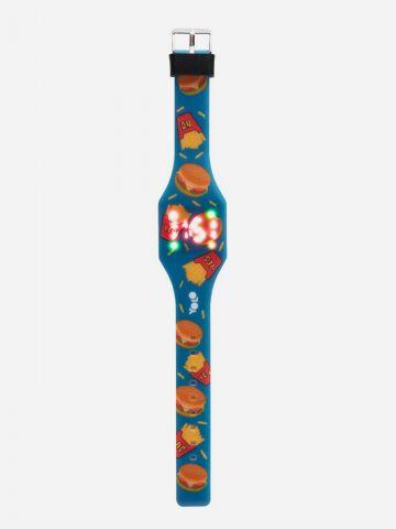 שעון דיגיטלי בדוגמת המבורגר וצ'יפס של YOLO