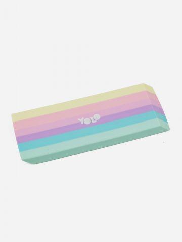 מחק פסים בצבעי פסטל של YOLO