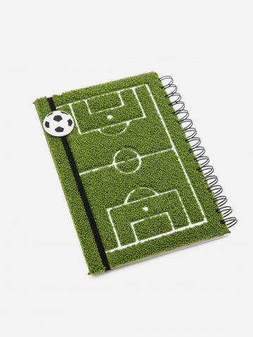מחברת ספירלה בדוגמת מגרש כדורגל של YOLO