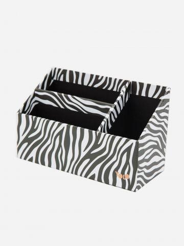 קופסת אחסון בהדפס זברה של YOLO