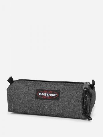קלמר עם לוגו של EASTPAK