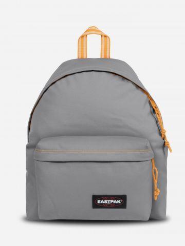 תיק גב עם פאץ' לוגו של EASTPAK