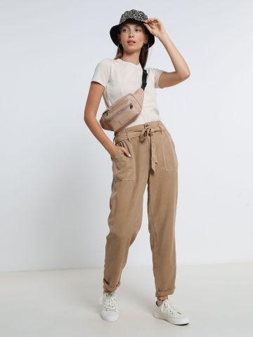 מכנסיים עם קשירה וקיפול בסיומת של AMERICAN EAGLE