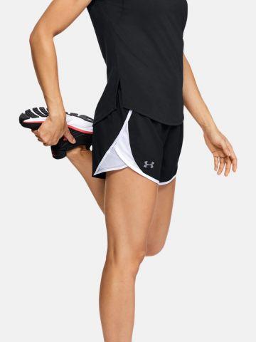 מכנסי ריצה קצרים עם לוגו של UNDER ARMOUR