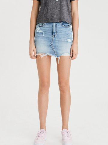 חצאית ג'ינס מיני עם קרעים של AMERICAN EAGLE