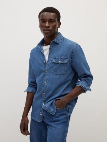 חולצת ג'ינס מכופתרת Regular Fit של MANGO