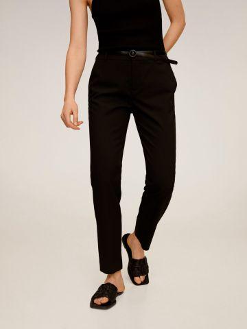 מכנסיים מחויטים עם חגורה דמוי עור של MANGO