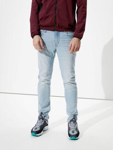ג'ינס בשטיפה בהירה Slim של AMERICAN EAGLE