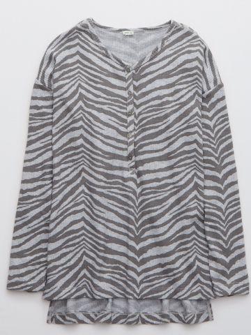 חולצה בהדפס זברה בשילוב כפתורים / נשים של AERIE