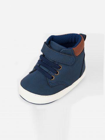 נעליים גבוהות דמוי זמש / בייבי בנים של THE CHILDREN'S PLACE
