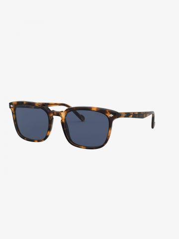 משקפי שמש מלבניים עם מסגרת מנומרת של vogue eyewear