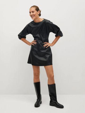 שמלת מיני דמוי עור של MANGO