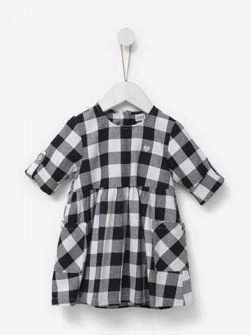 שמלה בהדפס משבצות עם רקמת לב / בנות של SHILAV