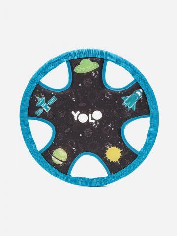 משחק פריזבי חלל של YOLO