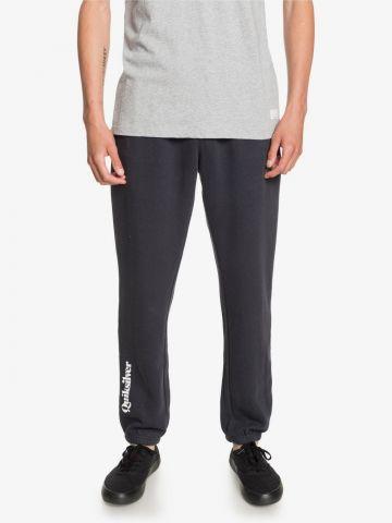 מכנסי טרנינג עם לוגו של QUIKSILVER
