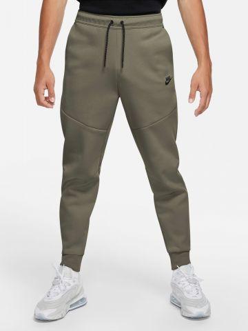 מכנסי טרנינג עם תיפורים Tech Fleece של NIKE
