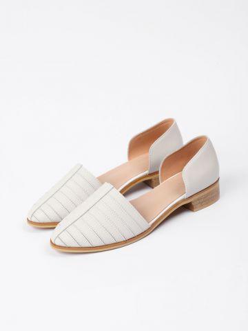 נעלי עור בדוגמת פסים / נשים של YANGA