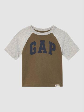 טי שירט בייסבול עם לוגו / 12M-5Y של GAP