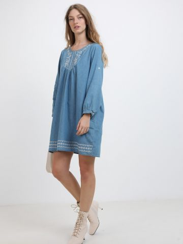 שמלת דמוי ג'ינס מיני עם רקמה של YANGA