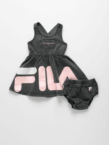 סט שמלה דמוי ג'ינס ותחתונים עם הדפס לוגו של FILA