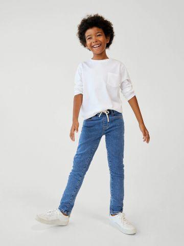 ג'ינס ארוך עם גומי של MANGO