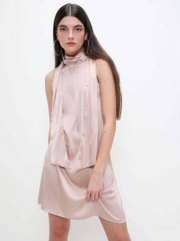 שמלת קולר בגימור סאטן של TERMINAL X