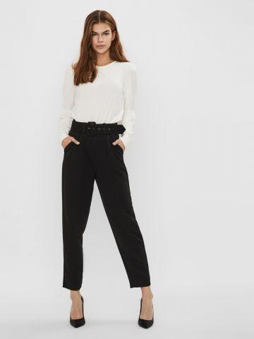 מכנסי קרופ עם חגורה של VERO MODA