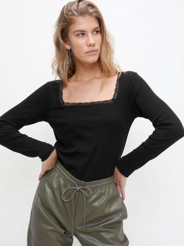 חולצת ריב עם פס תחרה של VERO MODA