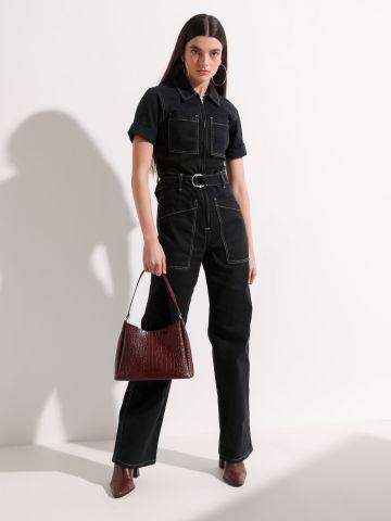 אוברול ג'ינס עם תיפורים מודגשים של URBAN OUTFITTERS