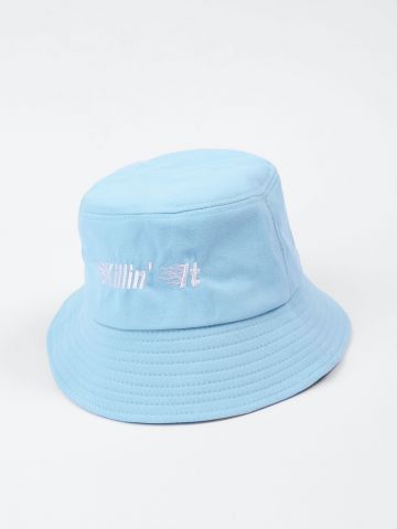 כובע באקט עם רקמת כיתוב / נשים של NOA KIREL X TERMINAL X