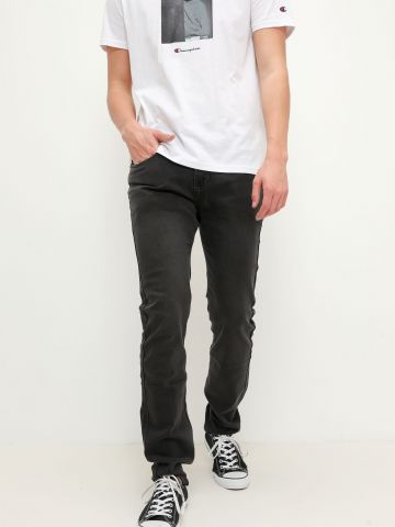ג'ינס בגזרת Slim של FOX