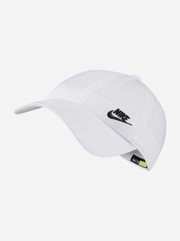 כובע מצחייה עם רקמת לוגו / נשים של NIKE