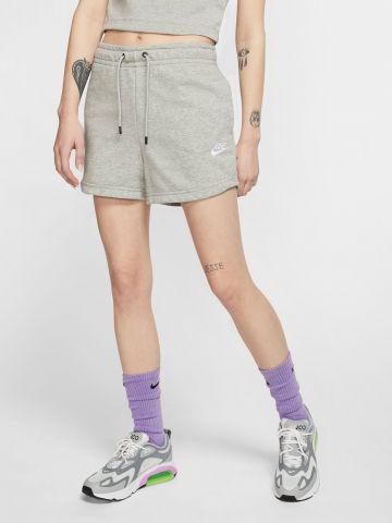 מכנסי טרנינג קצרים עם לוגו של NIKE