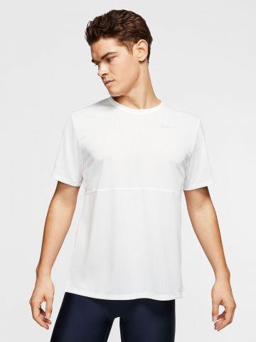 חולצת ריצה Breathe של NIKE