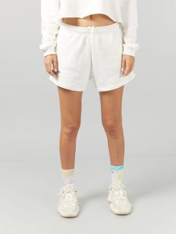 מכנסי טרנינג קצרים עם רקמת כיתוב של DON'T TELL MAMA
