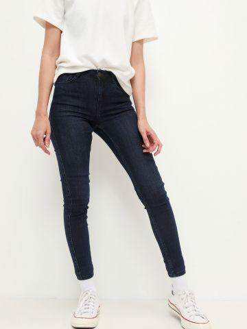 ג'ינס סקיני בשטיפה כהה של FOX