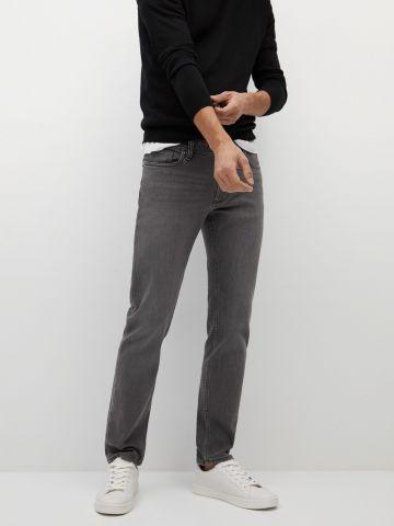 ג'ינס בגזרת Slim-Fit של MANGO