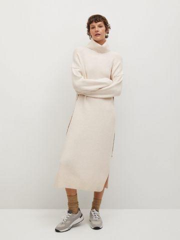 שמלת סוודר עם צווארון גולף של MANGO