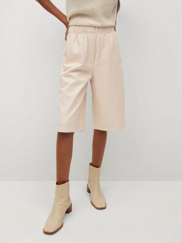 מכנסי ברמודה דמוי עור עם כיסים של MANGO