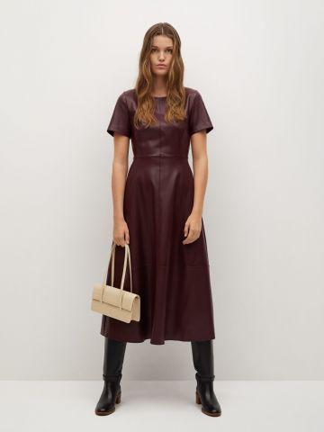 שמלת מידי דמוי עור מתרחבת של MANGO