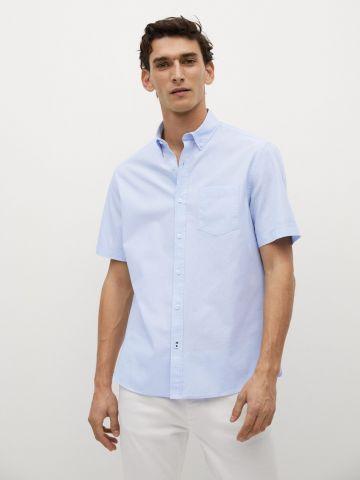 חולצה מכופתרת עם כיס של MANGO