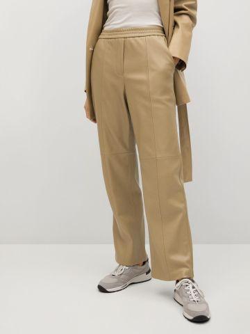 מכנסיים דמוי עור בגזרה ישרה / נשים של MANGO