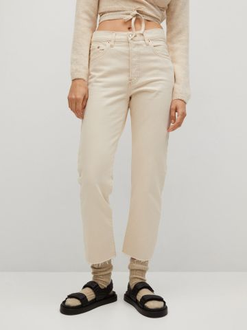 ג'ינס בגזרה גבוהה בסיומת גזורה / נשים של MANGO
