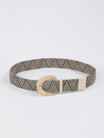 חגורה עבה בהדפס פסים וטקסטורת קליעה / נשים של YANGA