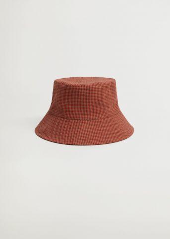 כובע באקט דו צדדי בהדפס משבצות של MANGO