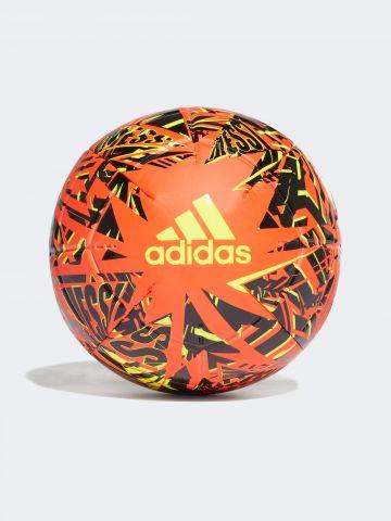 כדורגל MESSI CLB עם לוגו של ADIDAS Performance