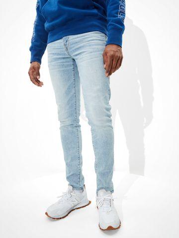 ג'ינס בגזרת Skinny בשטיפה בהירה של AMERICAN EAGLE