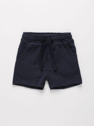 מכנסי טרנינג קצרים עם תיפורים מודגשים / 6M-4Y של THE CHILDREN'S PLACE