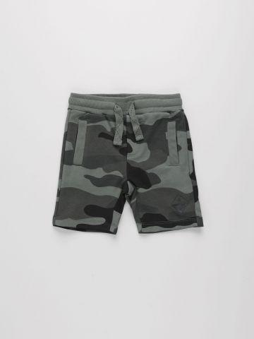 מכנסיים קצרים בהדפס קמופלאז' / בנים של AMERICAN EAGLE