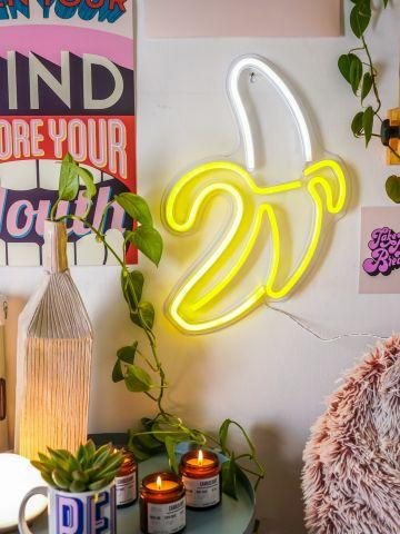 שלט נאון בננה של VAZI VAZI